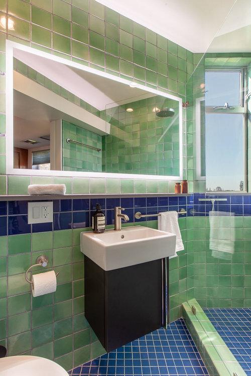schindlerhouse_bathroom1.jpg