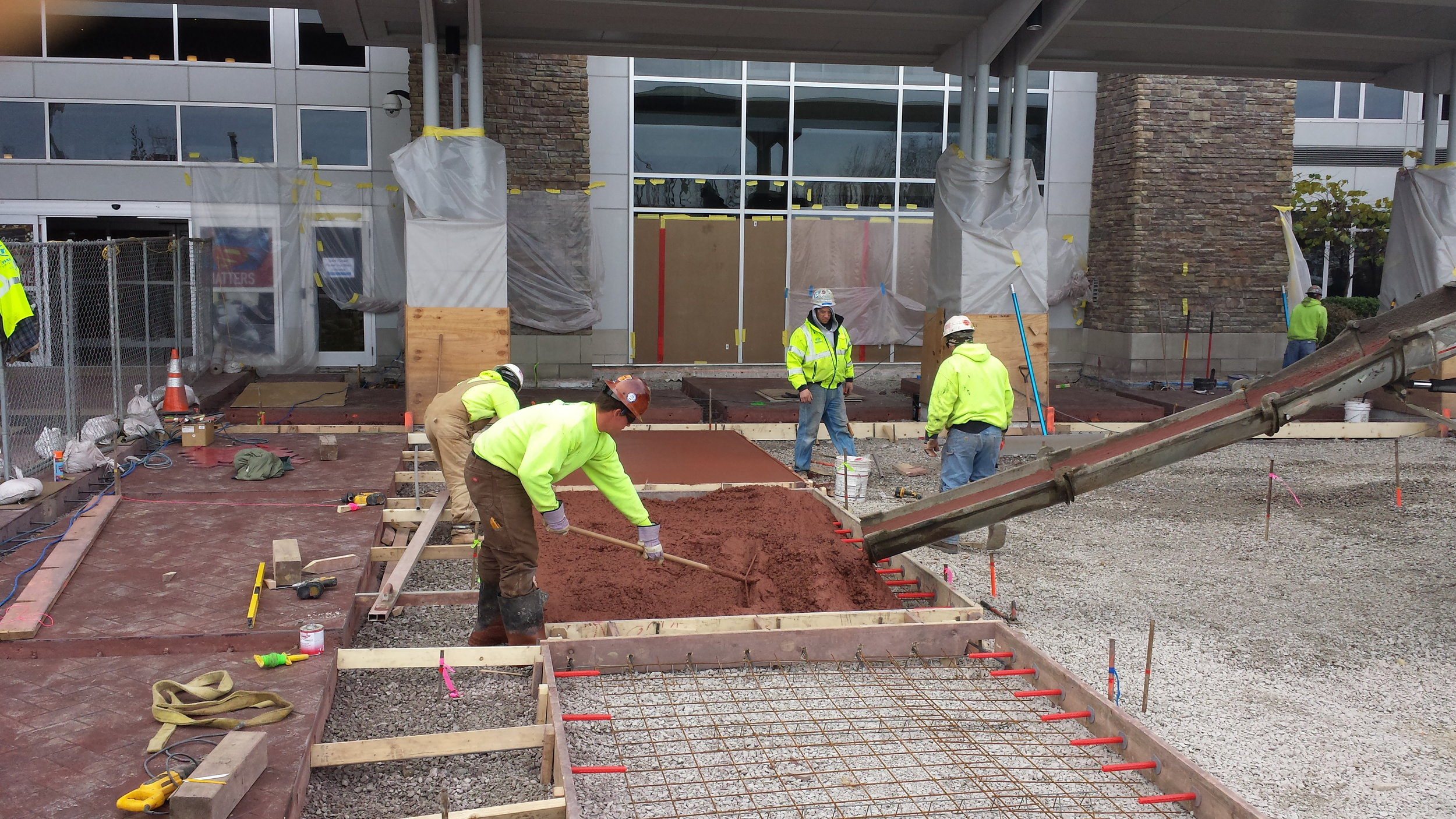 Projects large and small need careful management of labor, materials, and equipment to ensure efficiency.