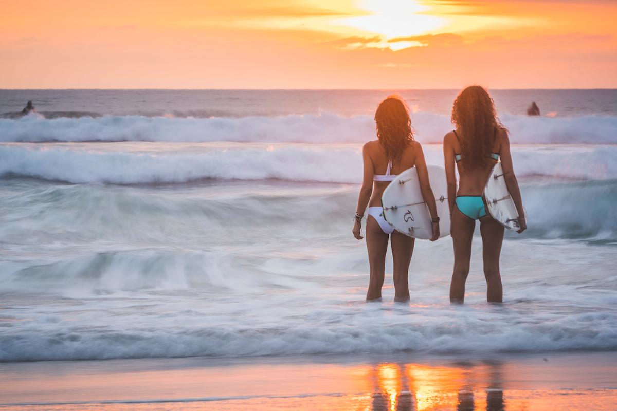 Girls at La Jolla Shores, Scripp's Beach, San Diego, California