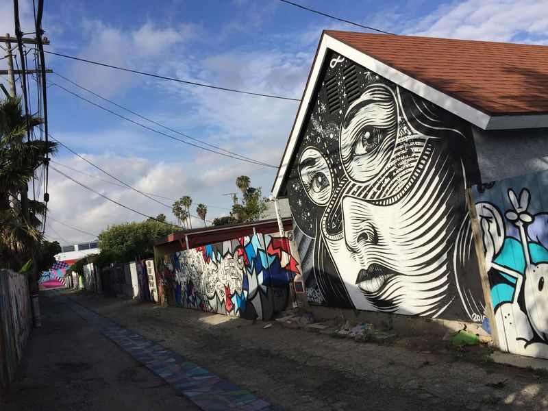Mural: DOURONE / Photo: Alissa Walker