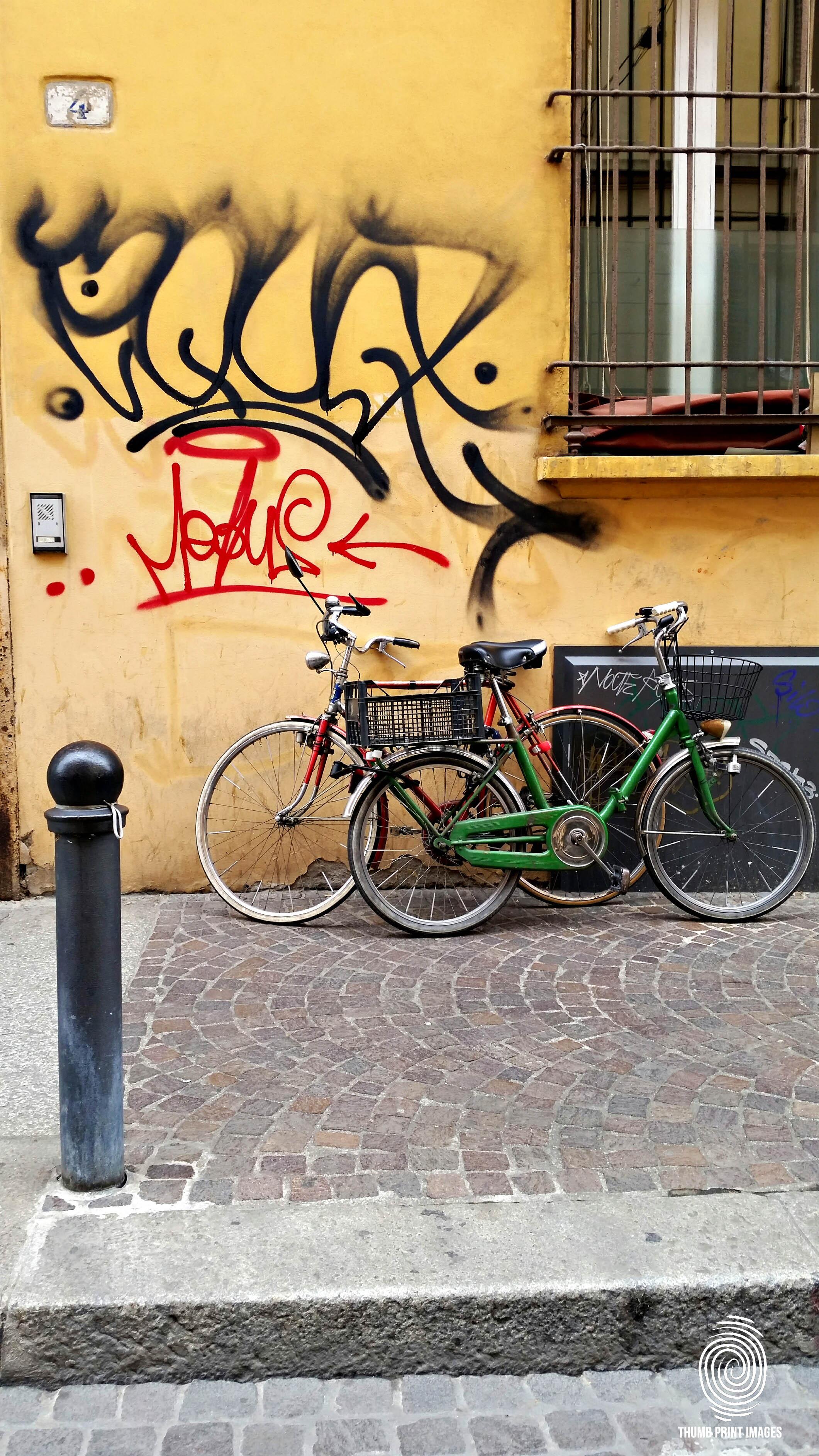 bikes in bolgna_sig.jpg