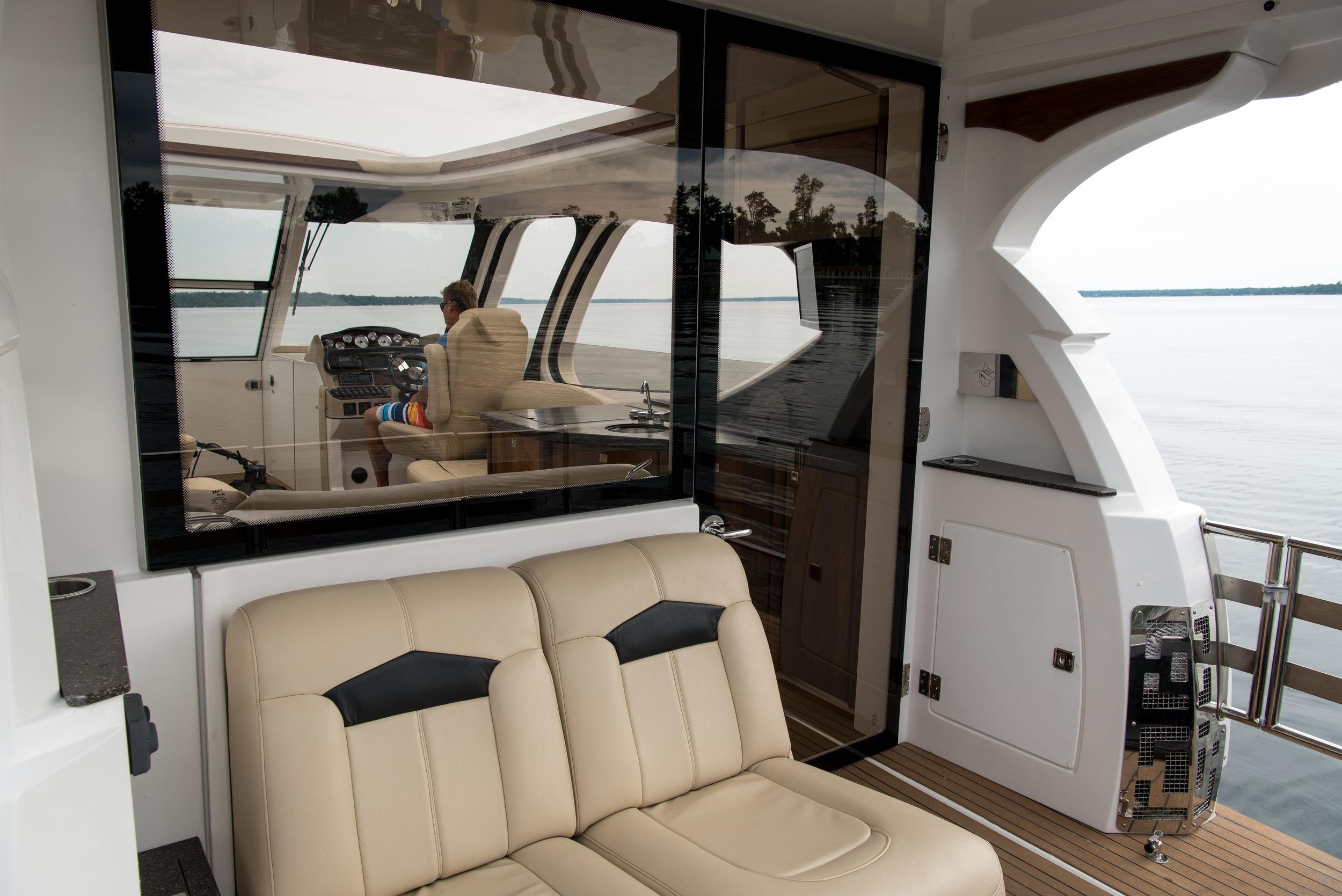 FLOE_CRAFT_stern deck into cabin.jpg