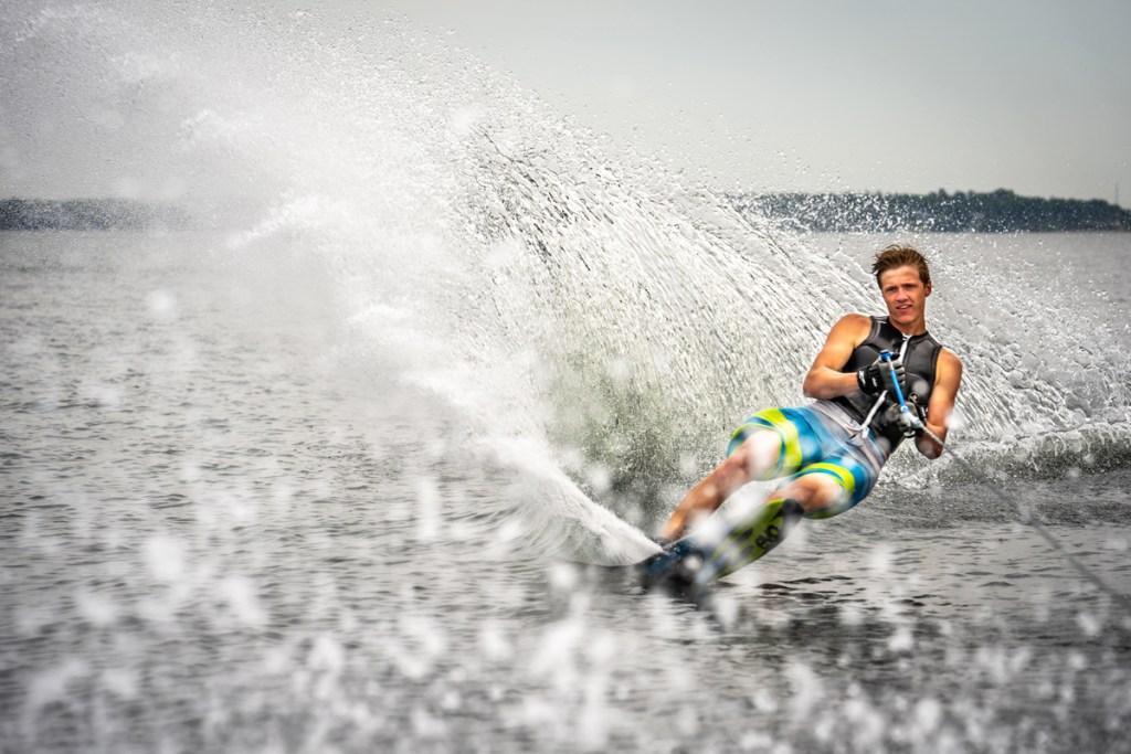 Varatti_Boats_Ski.jpg