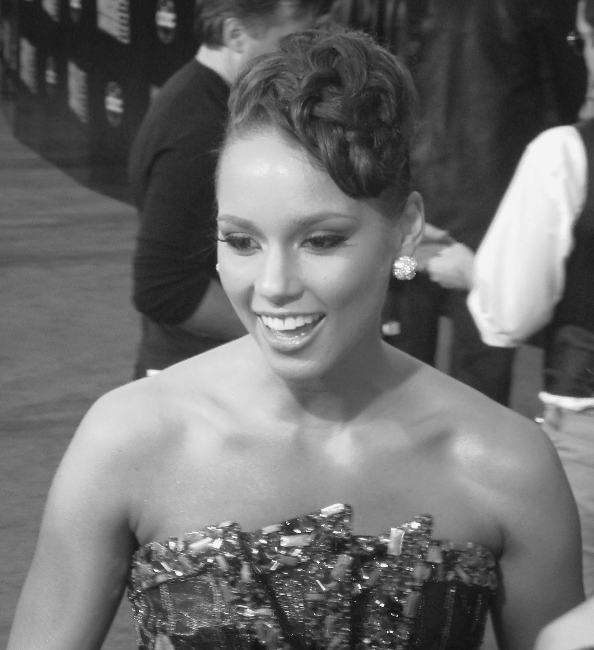 Alicia_Keys_cropped.jpg