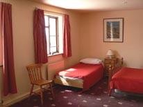 largebedroom3.jpg
