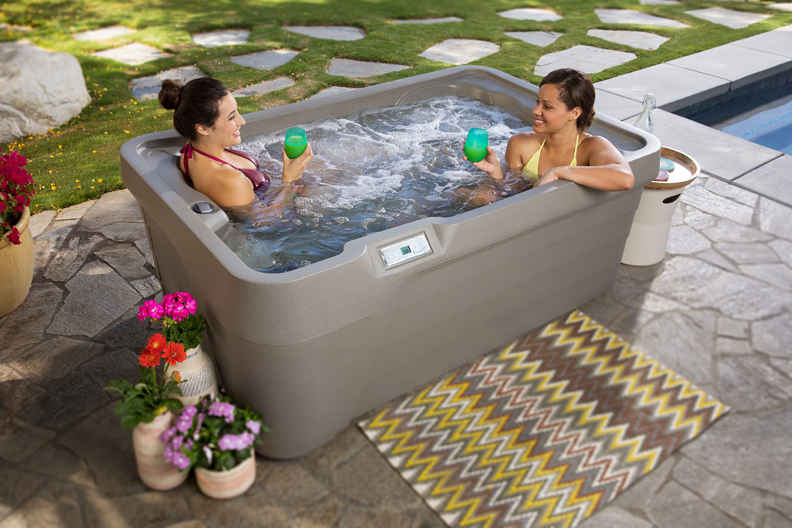 Freeflow Mini Hot Tub