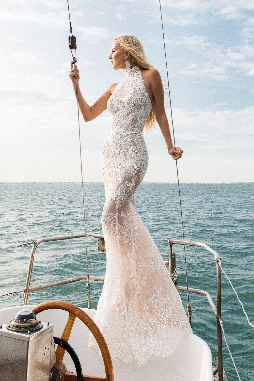 Wedding dress $600 , size 6-8