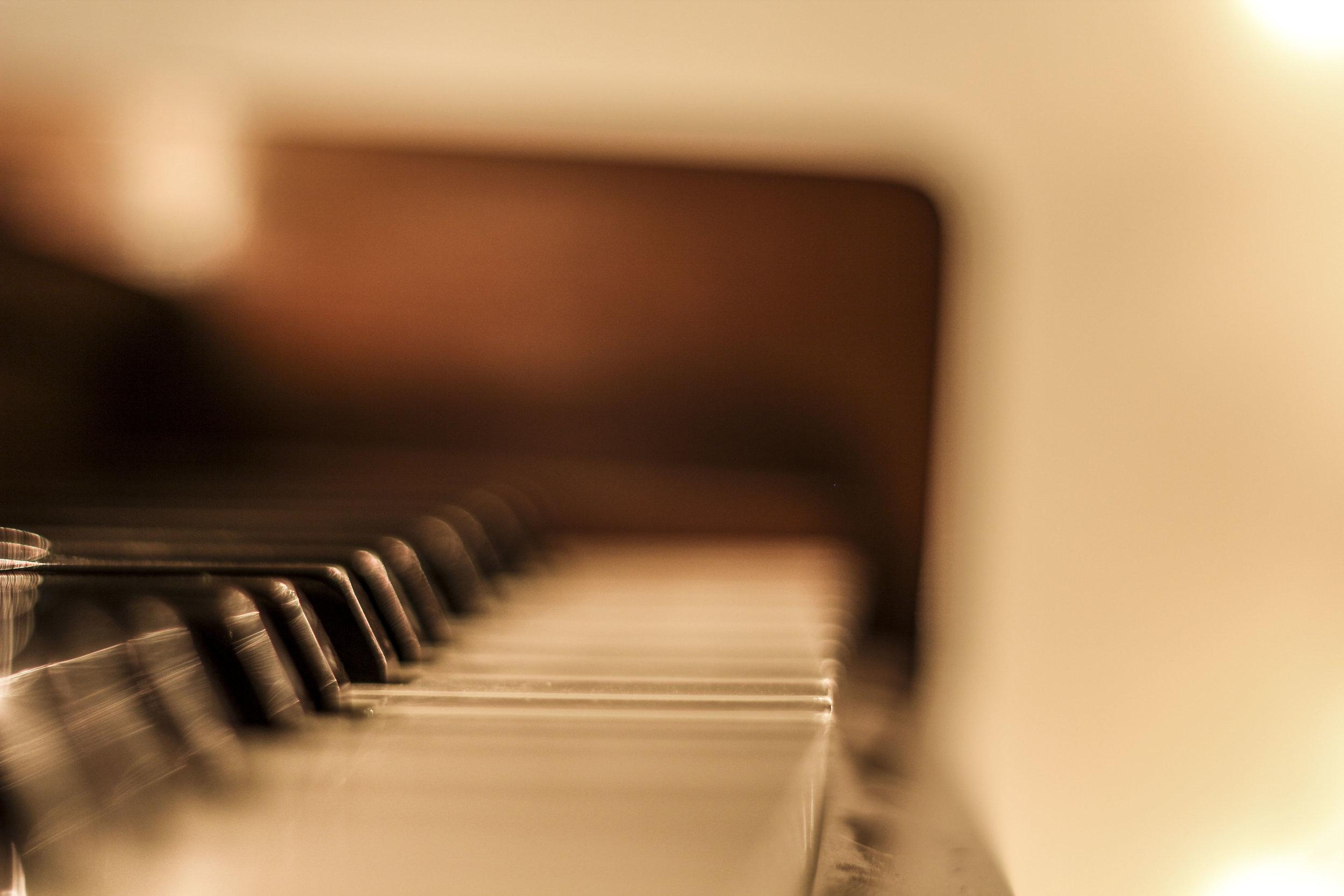 piano with lights 3.jpg