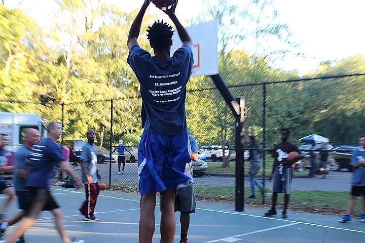 Tyrone Wells takes a jump shot for the the Beaver Hills. (Thomas Breen photo)