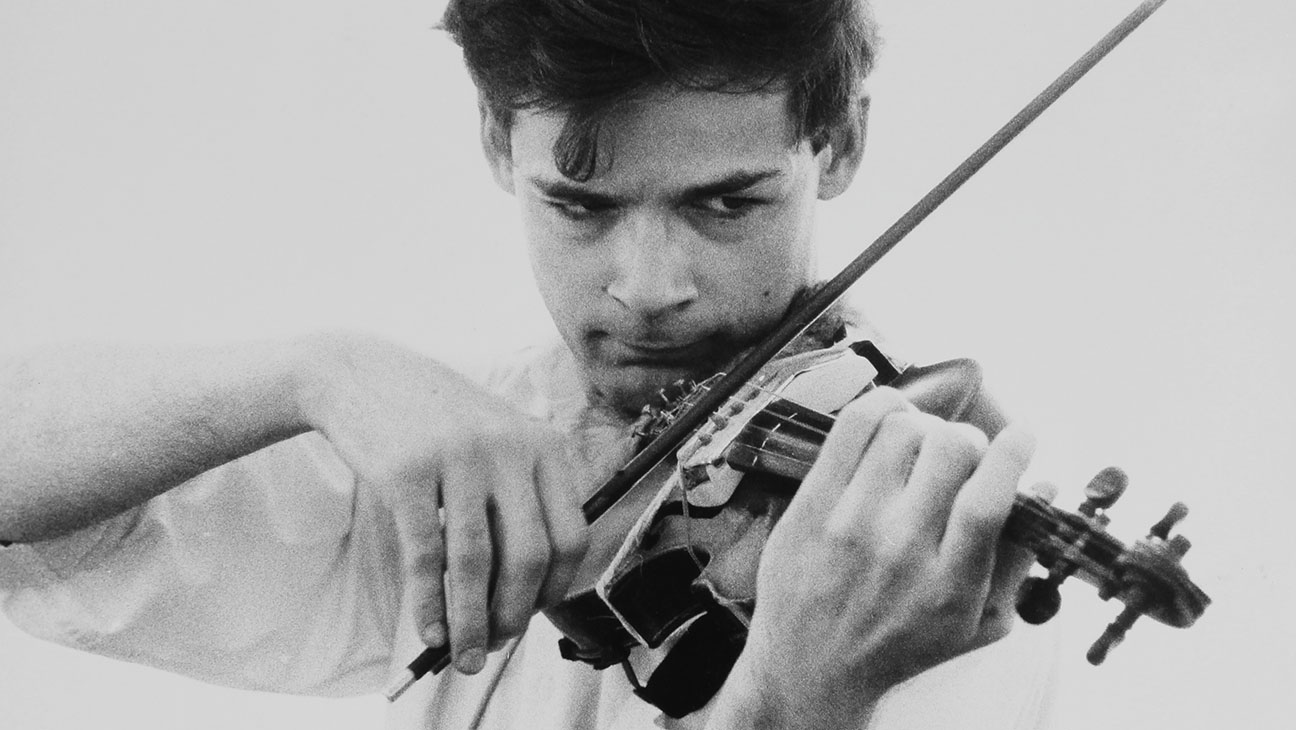 Tony Conrad: Completely in the Present (2016)