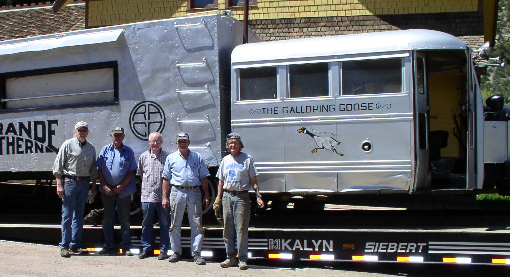 Loading crew May, 2009: Tom Garrison, Ed Latham, Jerry McKenzie, Larry Spencer and Lew Matis