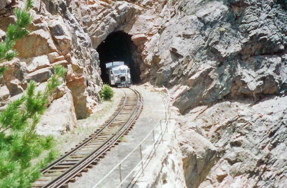 rocktunnel.jpg