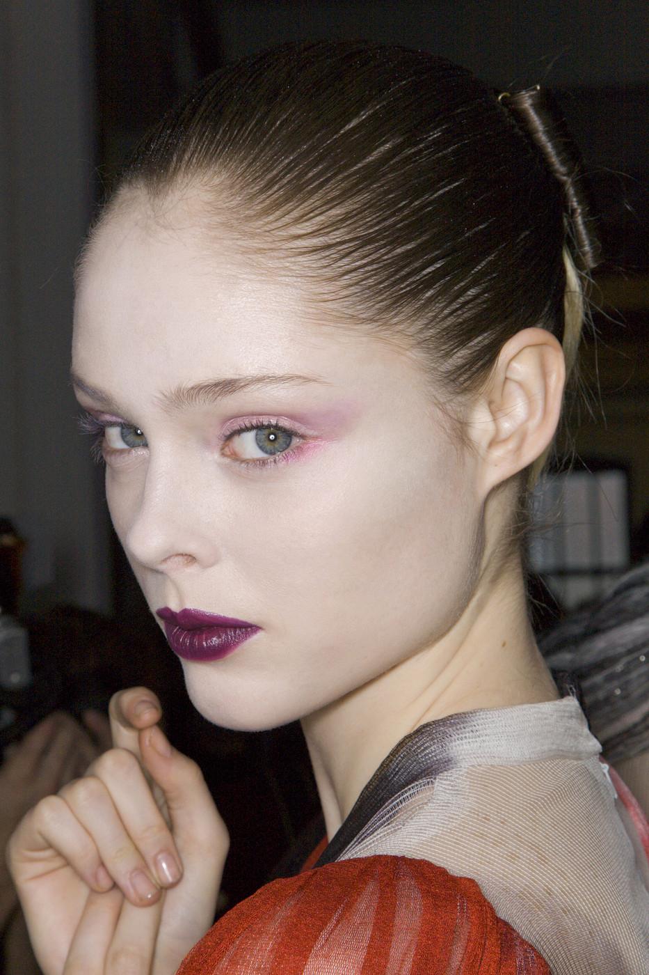 Laura Mercier Blemish-Less Foundation Primer & Tinted Moisturizer