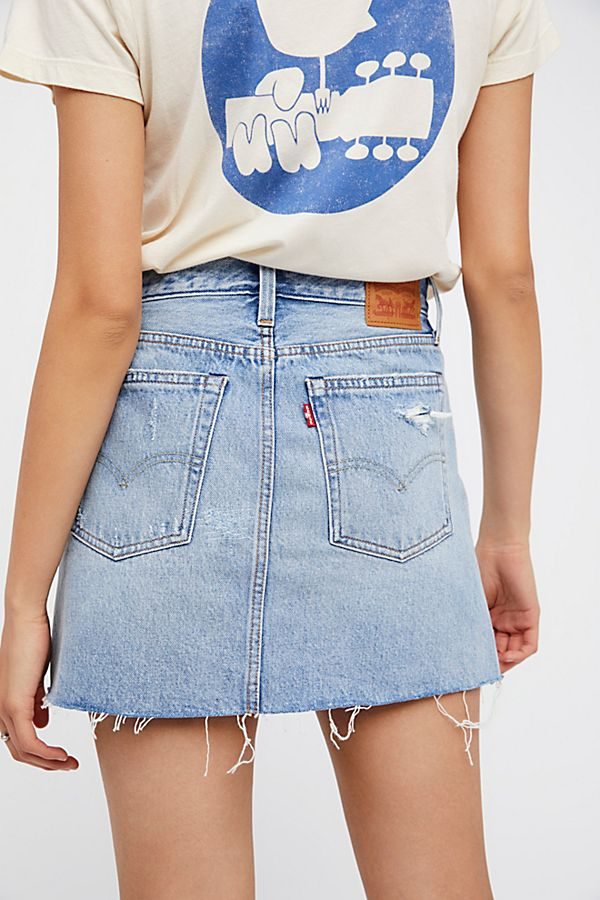 levi's denim skirt - perfect to throw on for a casual look with sneakers and a tee.
