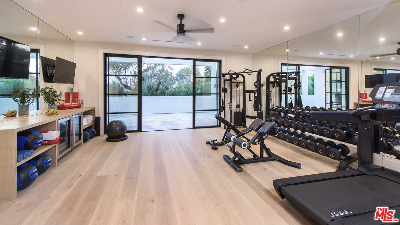 Home Gym Setup and Customized Workout Plans
