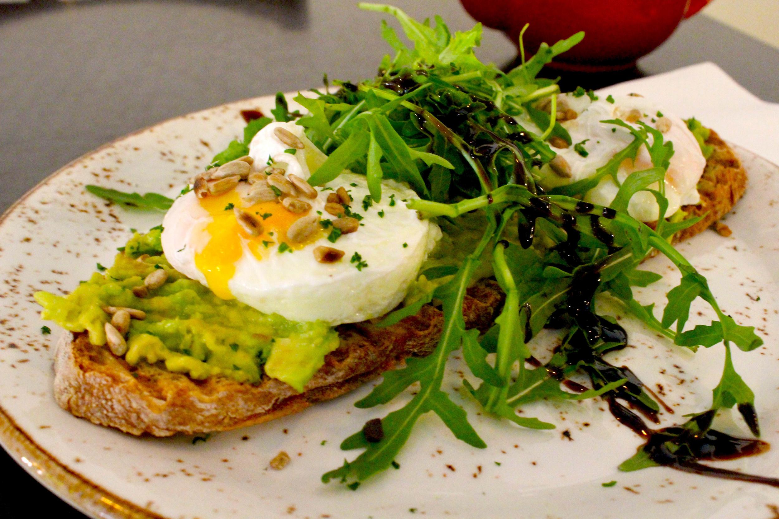 poached egg avocado3.jpg