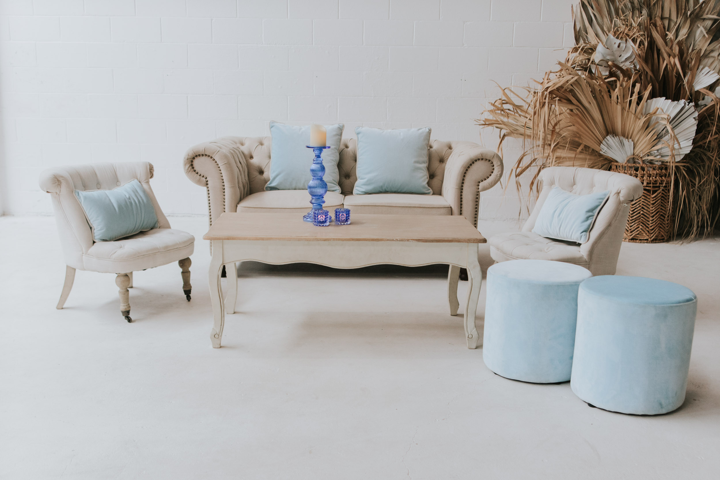 AVIDEAS INVENTORY SEATING and SETTINGS-100.jpg