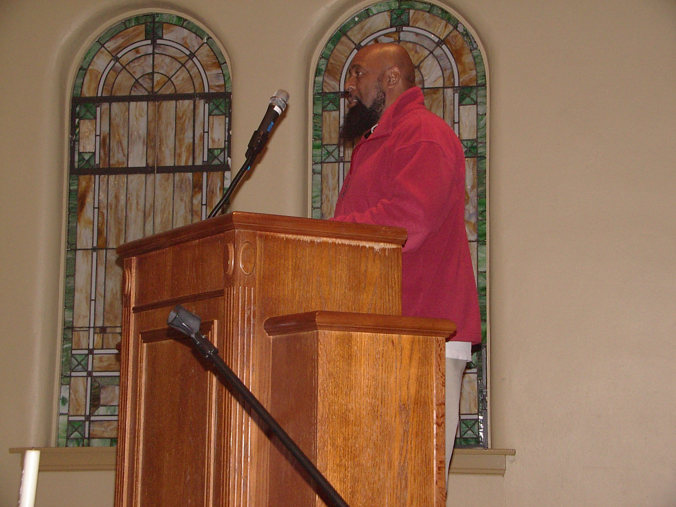 Ralph williams opens the Thanksgiving Service by Welcoming Everyone! November 20, 2018