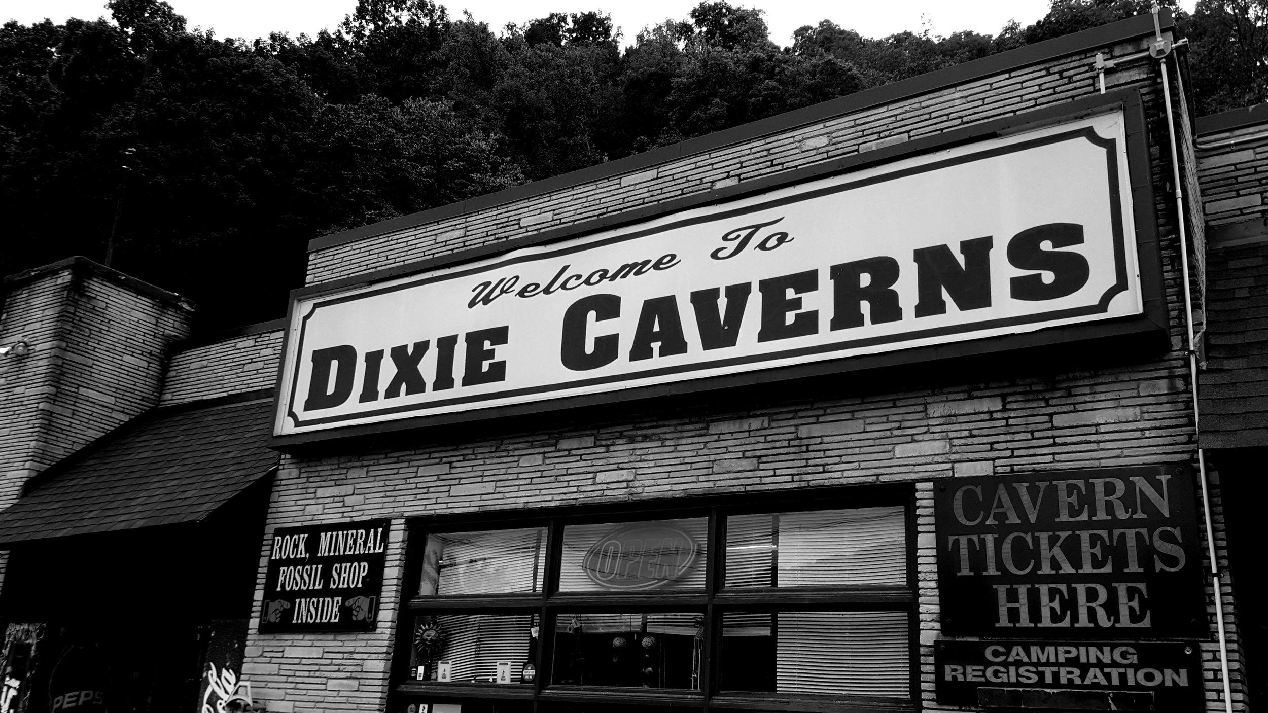 Dixie Caverns Store