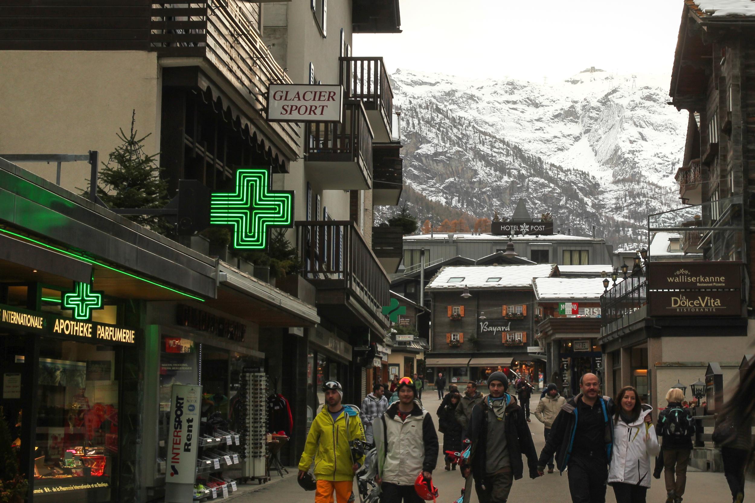 Zermatt Travel Guide - Let's Go Bravo