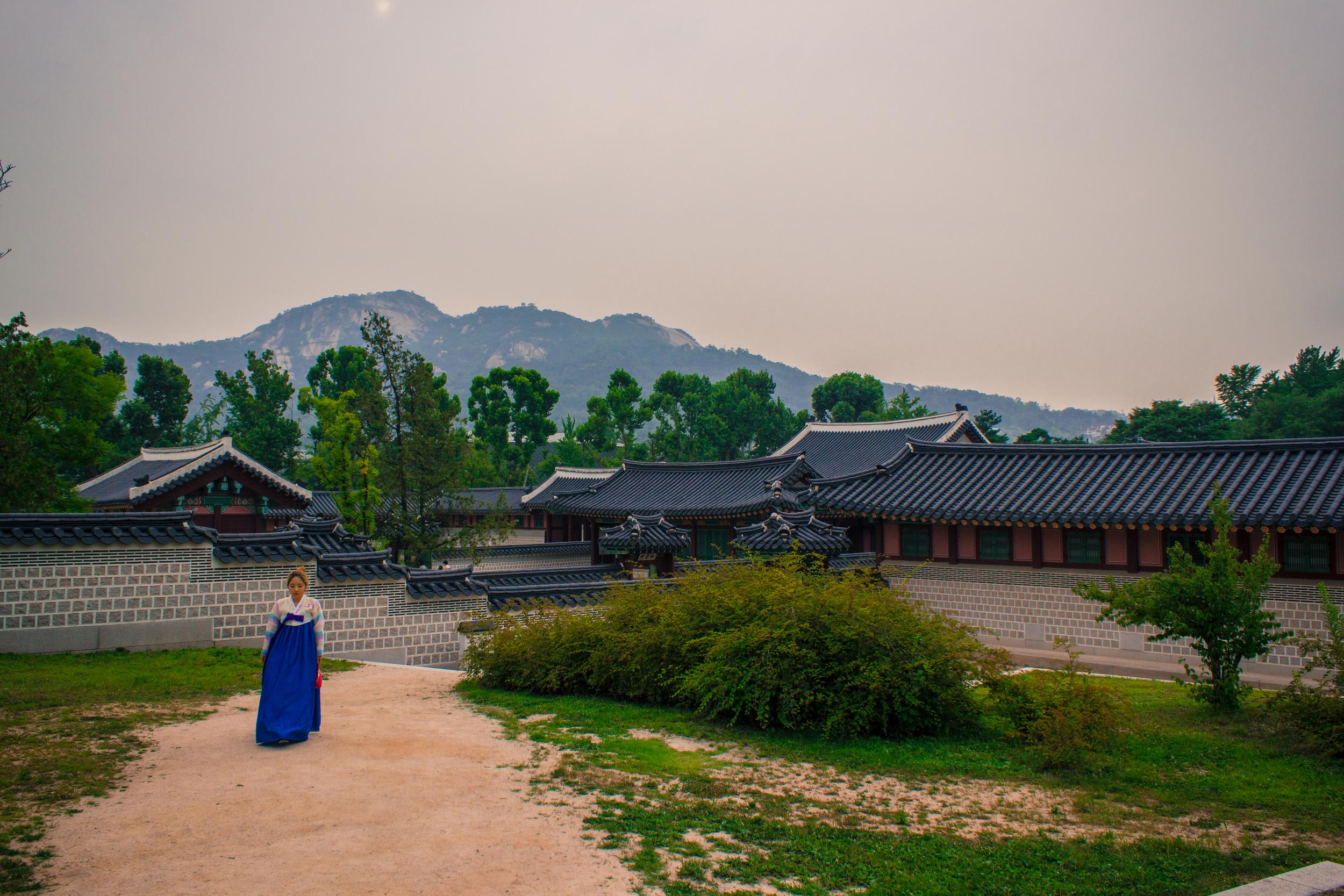 Gyeongbokgung Palace - Seoul Travel Guide - Let's Go Bravo