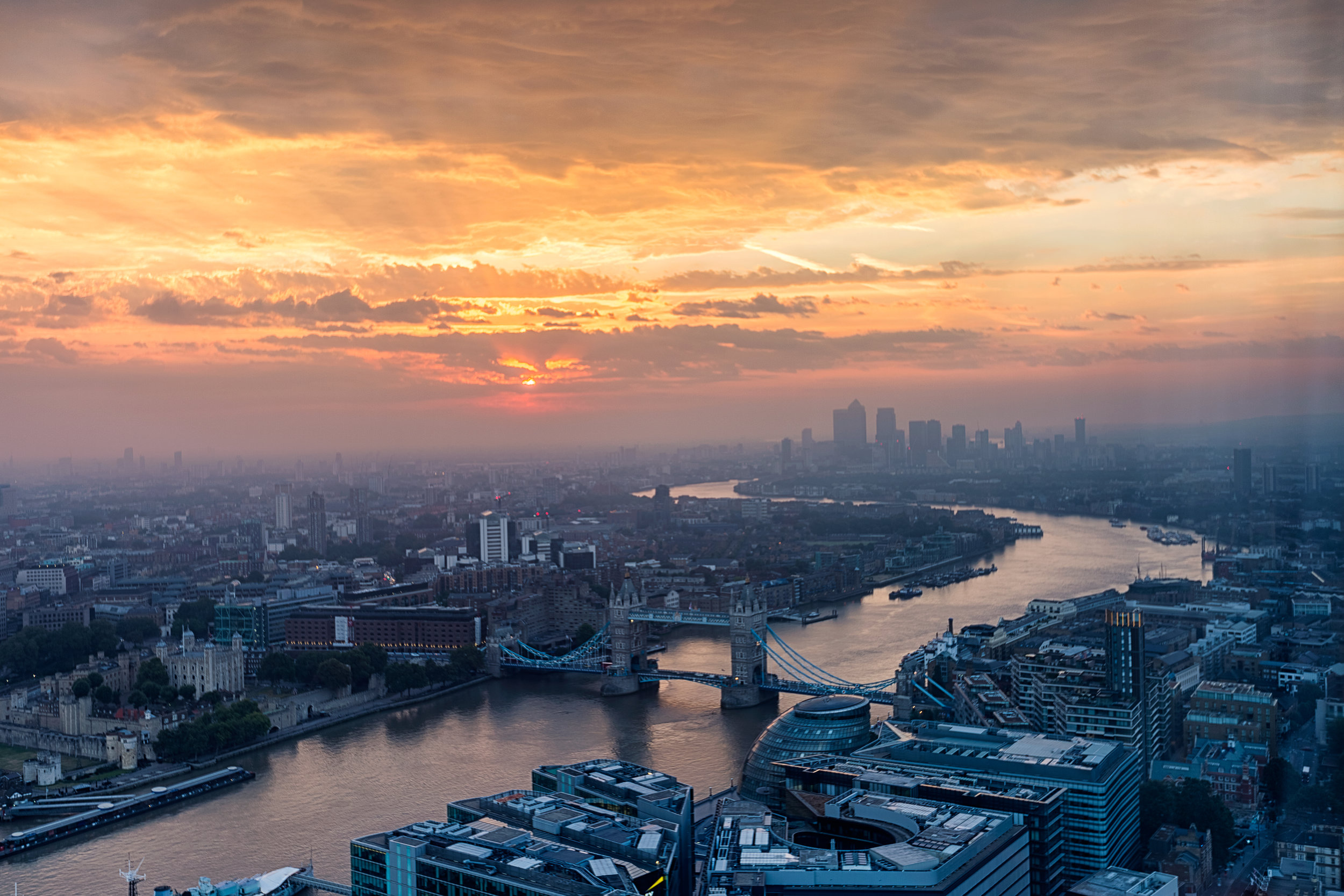 London Travel Guide - Let's Go Bravo - Eric Bravo Photography