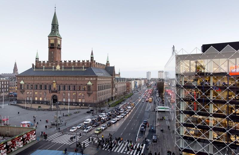 Wide level crossings, City Hall Sq. Copenhagen.