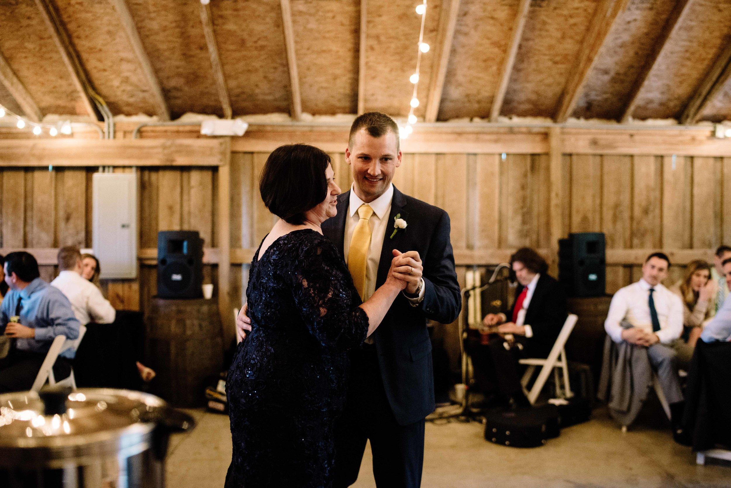 Ana-Dan-Blog-Indianapolis-Wedding-112.jpg