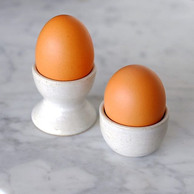 🥚 Still trying to make the perfect cradle for my egg friends 🥚