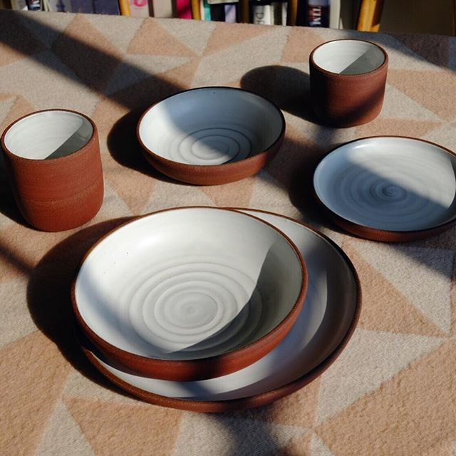 🌰 Dinner set in rusty red stoneware 🌰 This clay makes such a mess and I sanded off a fair bit of my palm throwing it but the unglazed exterior feels so nice it's totally worth it. I'm hoping to show some sets like this @thekilnrooms Clay Store in Peckham from July - September.