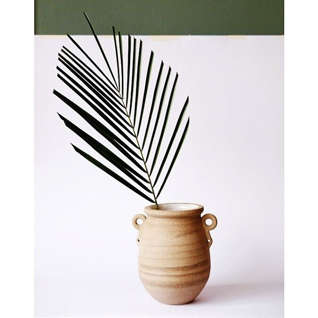 🌿Open studios next weekend 8th - 10th June at both @thekilnrooms locations on Bellenden Road and @copelandparkse 🌿 opens 2-8pm Friday with evening drinks and 11-6pm Saturday and Sunday 💸 Cash/cheque only 💸 COME GET YA POTS