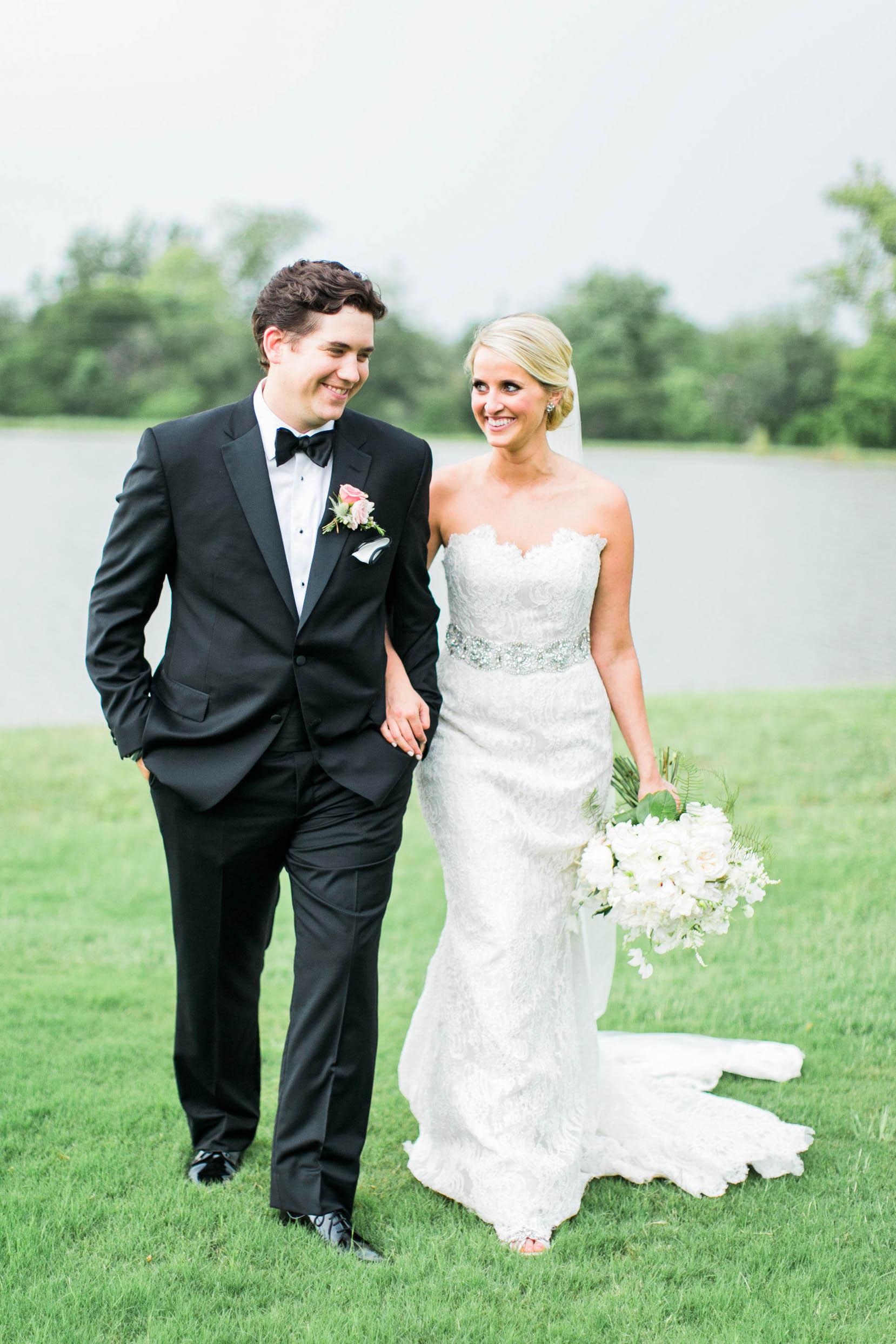 TEXAS BARN WEDDING:  MORGAN + PETER