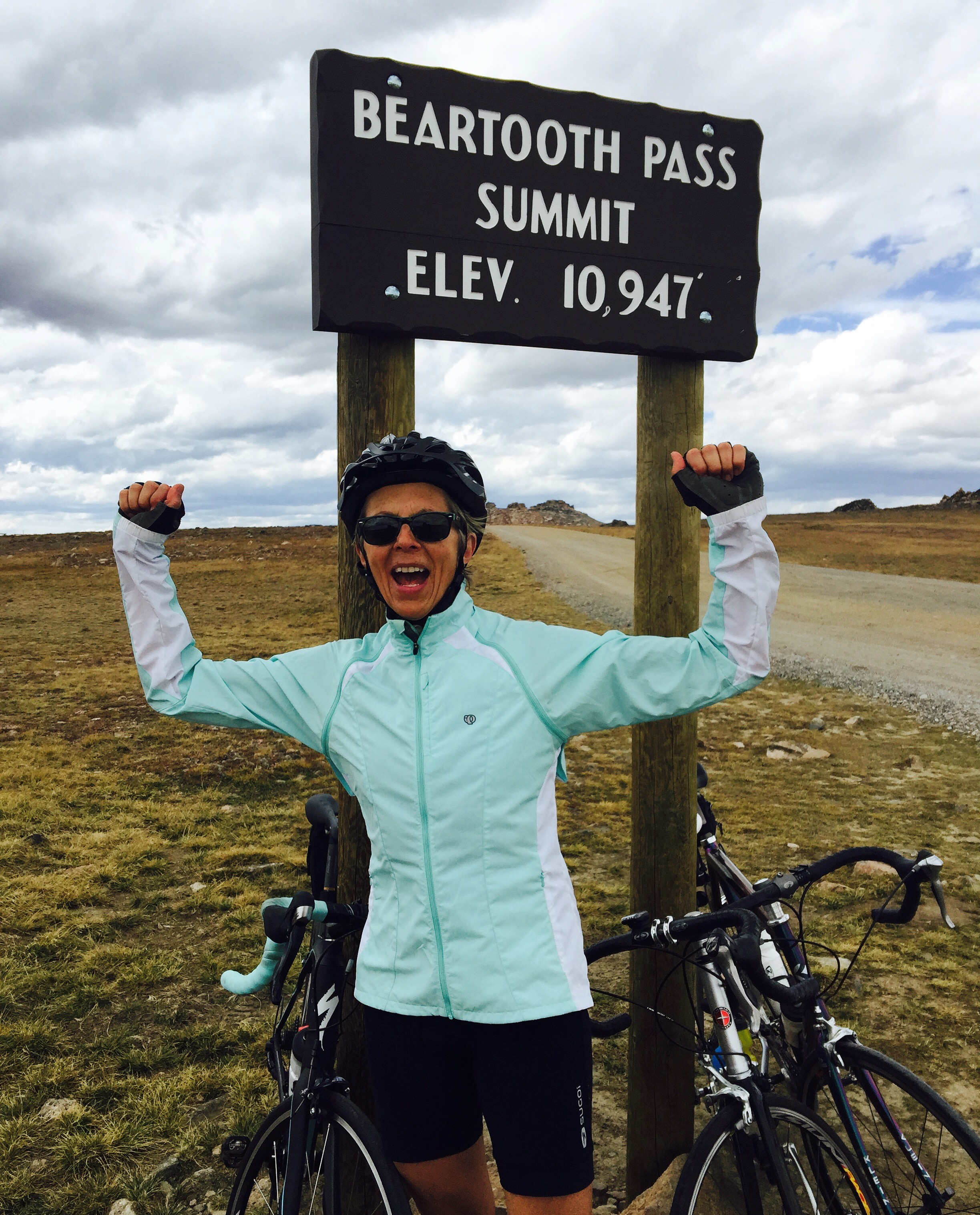 summit beartooth pass.jpg