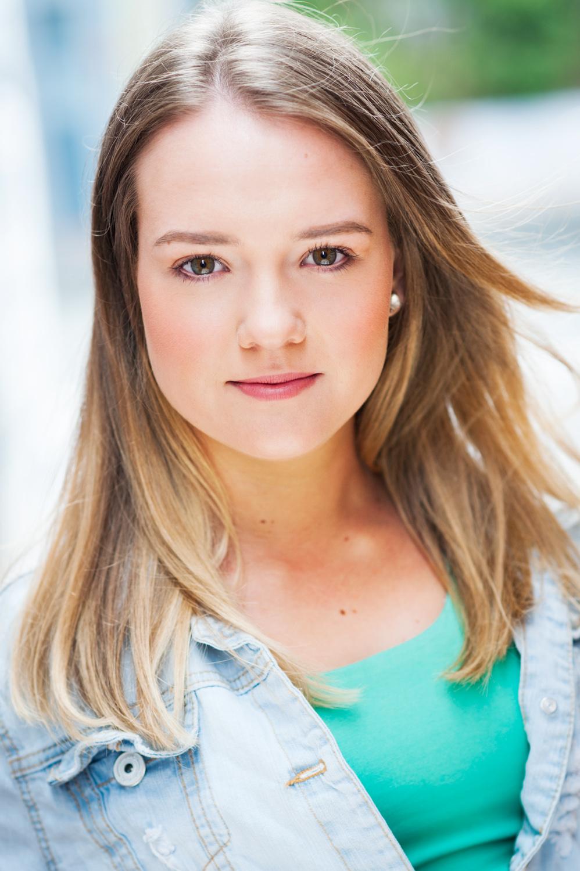 Casey.Actress.jpg