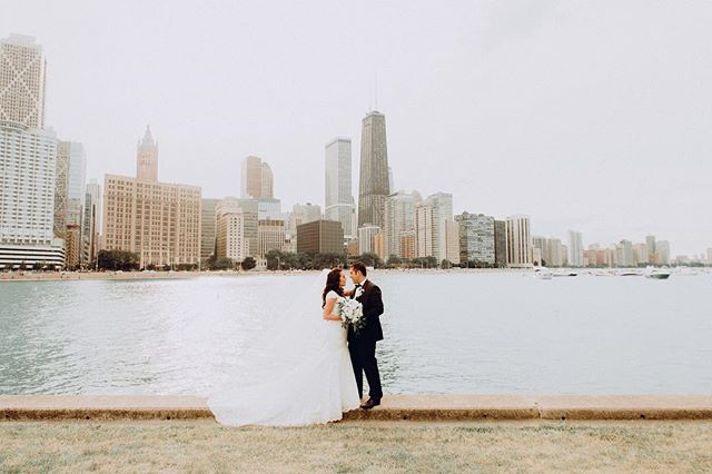 Haven't posted any of my weddings in a long time. Here's a gorgeous shot of Erica & Edward with all of that Chicago Skyline glory! . . . . . #weareallportraits #hypebeast #makeportraits #portraitgames #artofvisuals #artofchi #portraitvision #moodyports #portraitsaintdead #portraitsofchicago #moodygrams #profile_vision #jj_indetail #ig_worldphoto #igbest_shotz #peoplescreatives #visualsoflife #instagoodmyphoto #artofvisuals #exklusive_shot #portraitpage #majestic_people #top_portraits #igpodium_portraits #click_vision #featurememozi #chicago #chicagophotographer #chicagoweddingphotographer #weddingphotography #mariaonyxespinoza