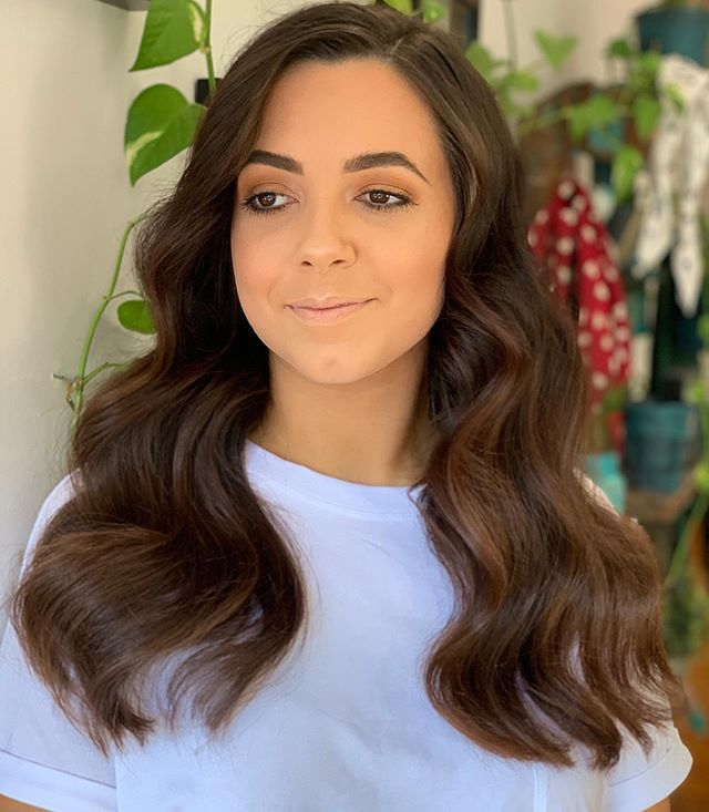 Rocking those Glamour Waves 💆‍♀️ Michael let his Creative Juices Flow with this Incredible Style Heavily inspired by Natalie Anne Hair✨✨✨ Don't Forget Michael has his $25-$35 Blowdry special for the rest of 2019, book in now for all your Events for this Incredible Special  #mackayhairdresser #avaiahair #avaiahairinspo #avaiadifference #goldwellaus #iamgoldwell #behindthechair #hairbymichael #natalieanneinspired
