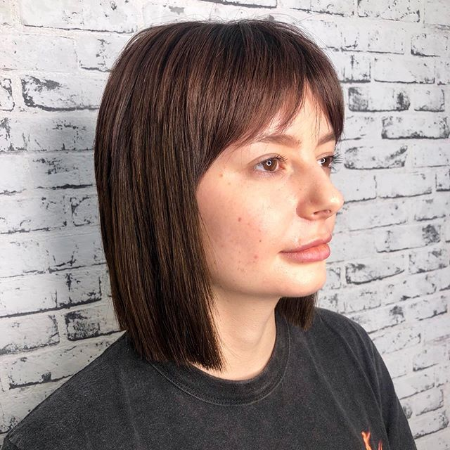 Check it out!!! Wik nailed this makeover!! 🔥  Amber has been rocking a short style for a few years and was ready for a change! In Wiks consult they agreed on going darker and adding extensions for length.  4 hours later Amber is a brunette with an amazing bob and a trendy curtain fringe 😻  Swipe ➡️ for a before photo  #goldwellaus #avaiahair #hairgoals #hairenvy #avaiadifference #iamgoldwell #mackayhairdresser #goldwellausapproved #avaiahairinspo #purepigmentsatavaiahair #purepigments #purepigmentsgoldwell #hairbywik #olaplex