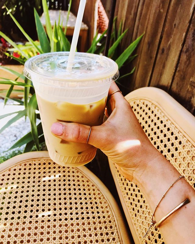 Monday's are for sippin' iced lattes in the garden 🌴 #mondaymotivation #loveshackjuicery #icedlatte #cashewmilk