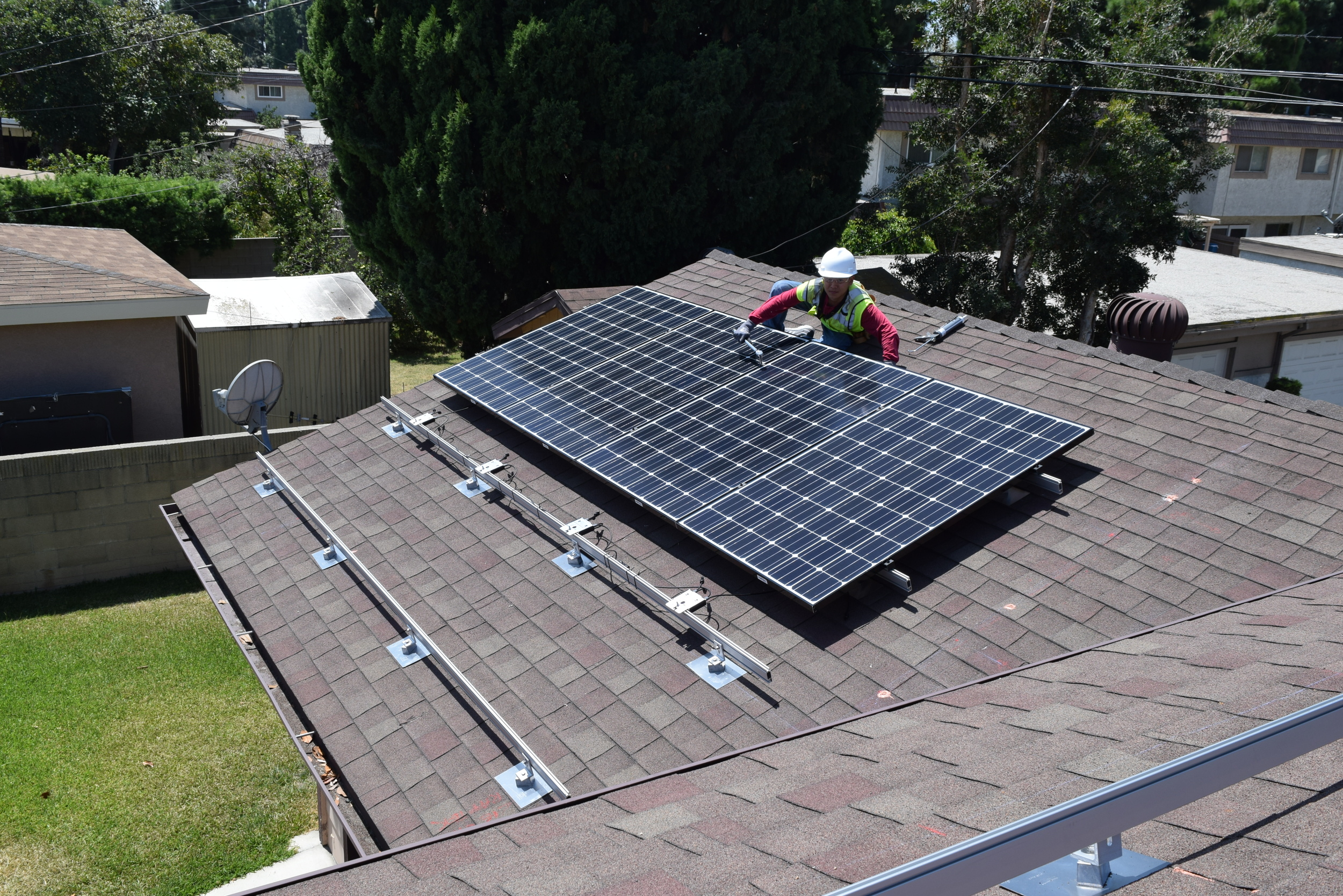 GARDEN GROVE, CA - 16 top-of-the-line PV modules total to 4.8 kWDC in Garden Grove, CA.  The system was commissioned in 2015.  The system is estimated to save the home owner over $65,000 in electricity bill over 25 years.