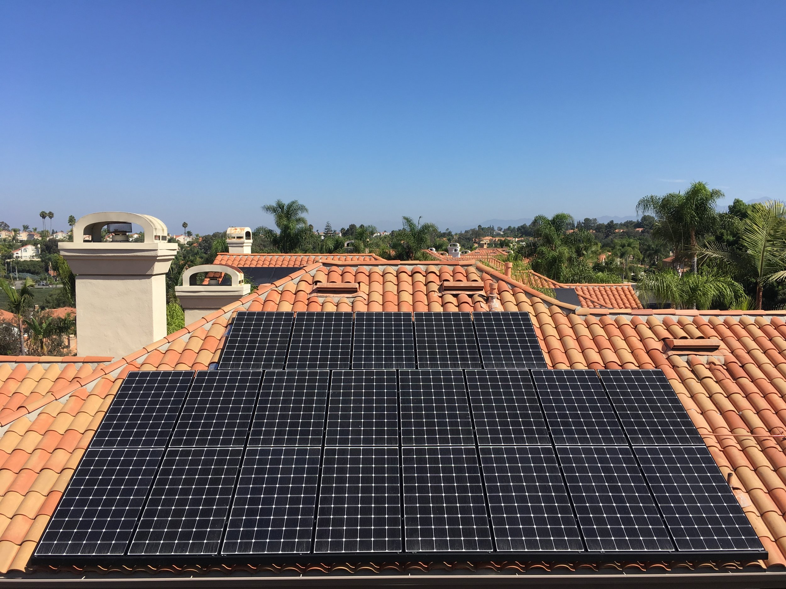 LAGUNA NIGUEL, CA - 21 high efficiency PV modules total to 7.0 kWDC located in Laguna Niguel. This system was commissioned in 2018 and is expected to save the Homeowner $140,000 in electricity bills over the next 25 years.