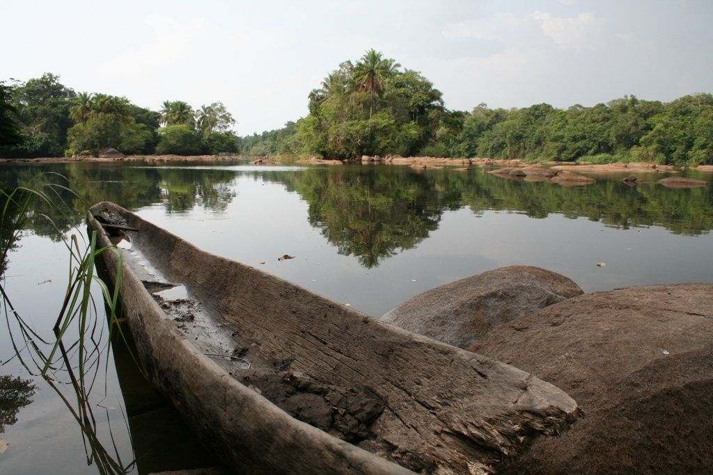 Am Wasser gibt es besonders viele Tsetse-Fliegen. Foto: Irene Mazza, Demokratische Republik Kongo