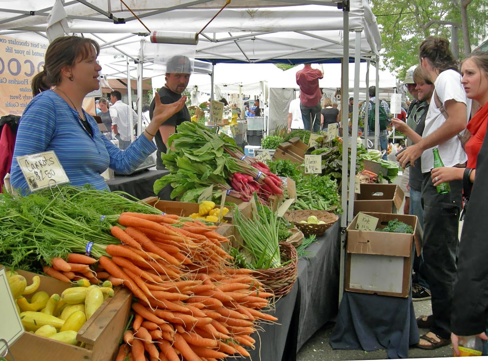 Ballard_Farmers'_Market_-_vegetables.jpg