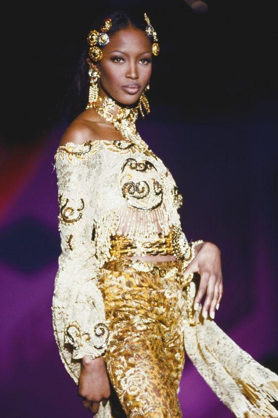 Atelier Versace_1992_Naomi Campbell.jpg