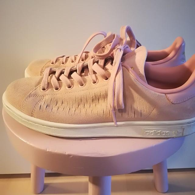 Adidas Stan Smith Sneakers.jpg