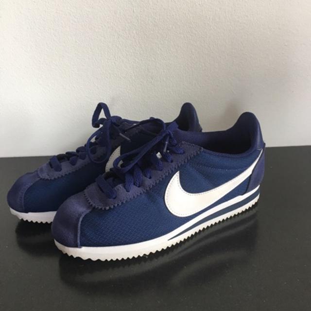 Nike Sneakers.jpg