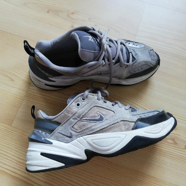 Nike sneakers4.jpeg