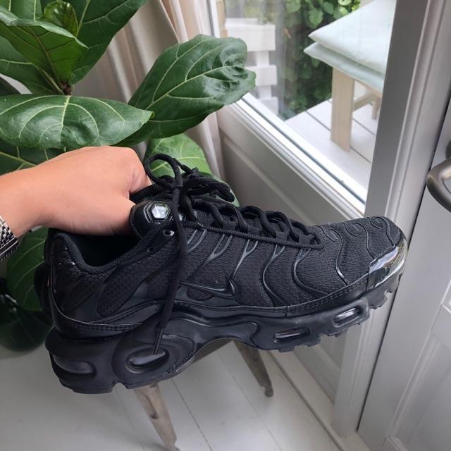 Nike Sneakers5.jpeg
