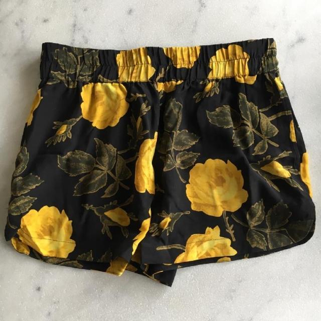 Ganni Shorts 3.jpeg