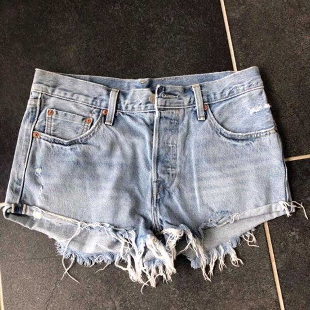 Levi_s Shorts 5.jpeg