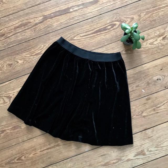 Sort velour nederdel.jpeg